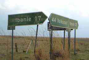 Albanie_road_sign.jpg (7024 bytes) Lesotho, Tourism, Africa, mountains,