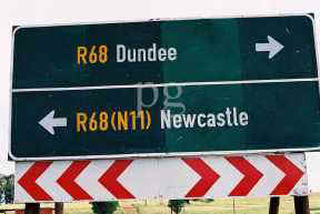 Dundee Newcastle Road Sign.jpg (8714 bytes)